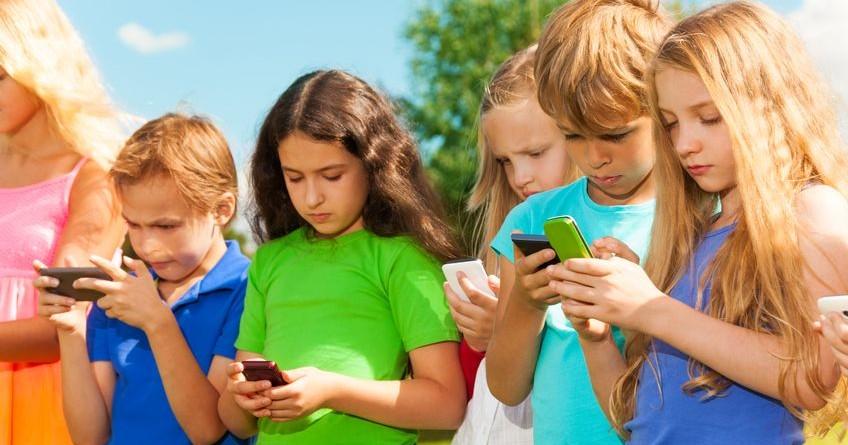 niños y electronicos